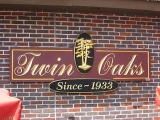 Twin Oaks Restaurant I Pittsburgh Pa