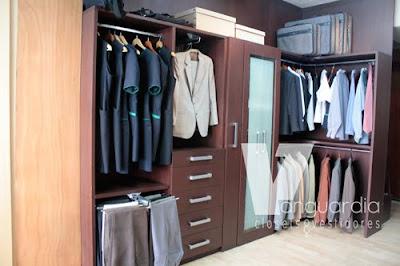 Closets y vestidores for Zapateras para closet pequenos