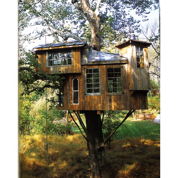 Nest treehouses for Cool small tree houses