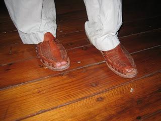 shoes  donts  dressing  man huarache sandals