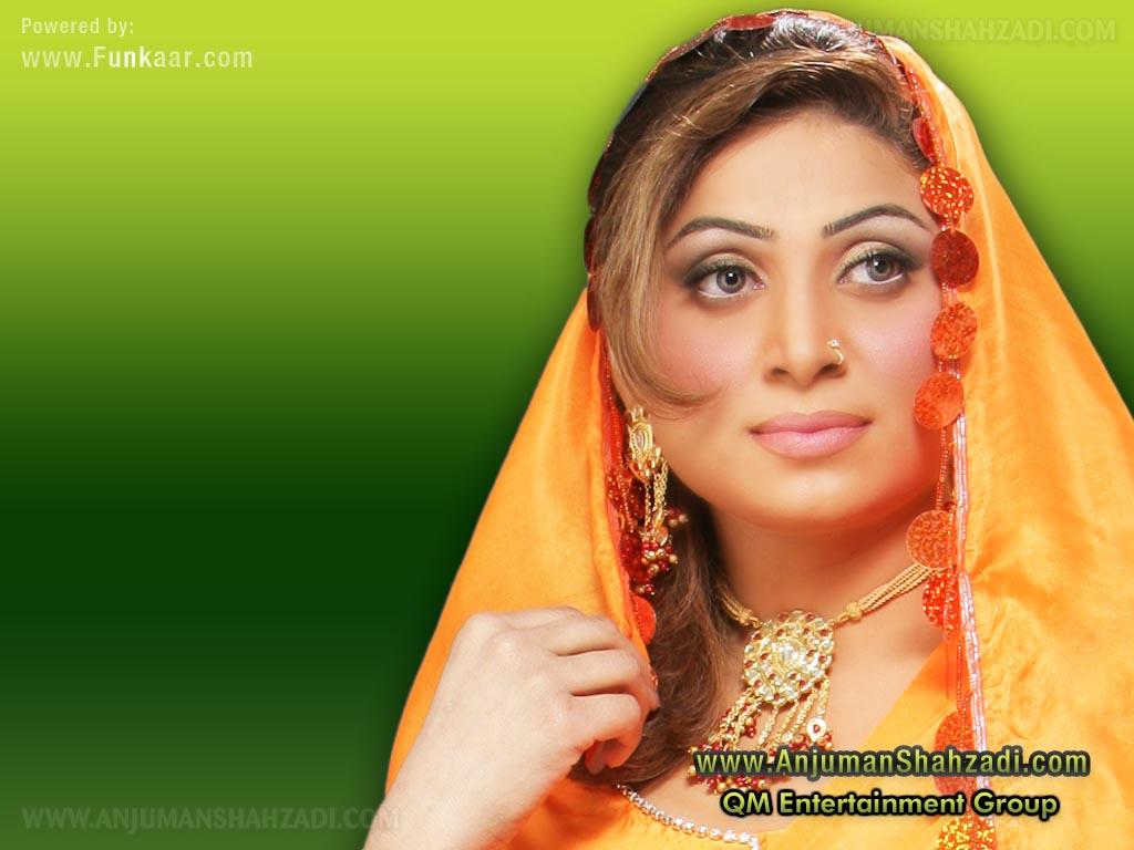 Pakistani Tv Films Sexy Actress Anjum Shehzadi Hot Boobs -7829