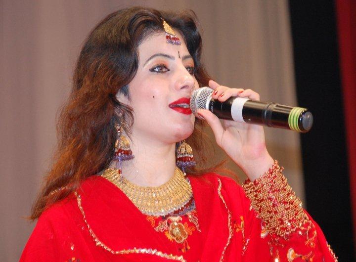 Semono Iku: Pashto Music Queen Singer Nazia Iqbal New