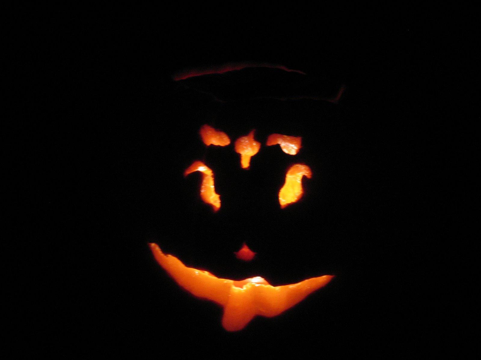 [pumpkincarve07+002.jpg]