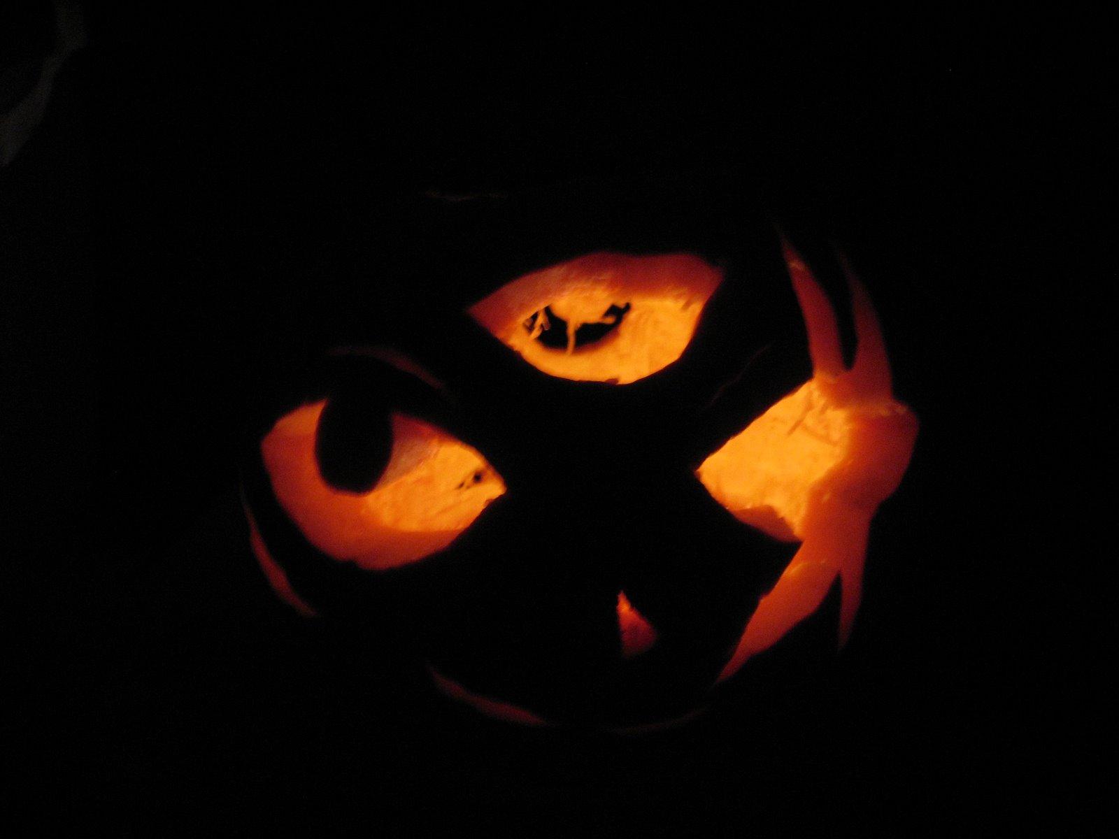 [pumpkincarve07+005.jpg]