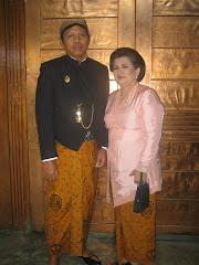 Papah Doni en vrouw
