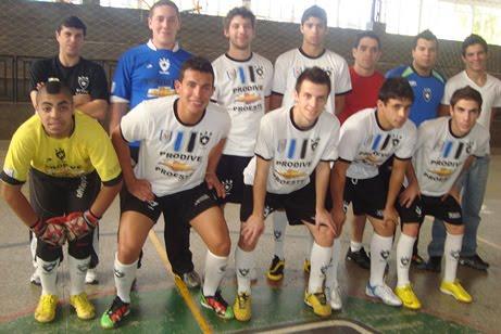 Futsal  Veterana goleia São Carlos pelo Paulista 73bd10b7e8fab