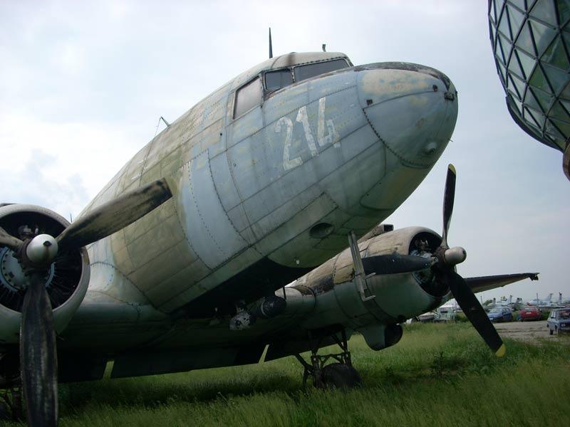 [air_museum2.jpg]