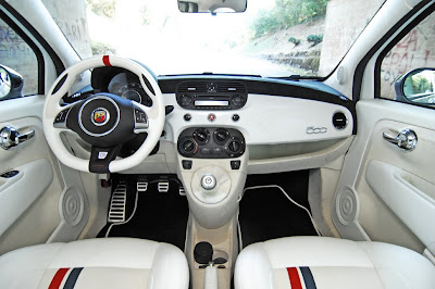Fiat 500 usa october 2009 for Interieur fiat 500x