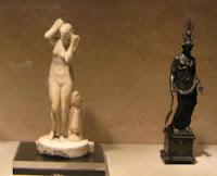 Estatuillas de divinidades