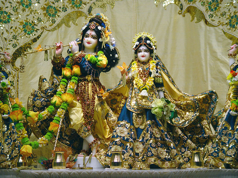 Happy Birthday 1080p Hd Wallpapers Spread A Cheer Lord Krishna At The Vrindavan Temple