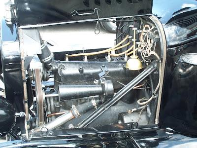 Foto do motor de um Ford T 1925