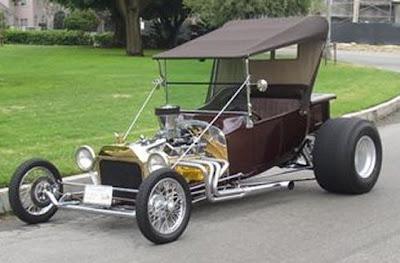 Roadster Hot Rod feito a partir de um Ford T 1924.