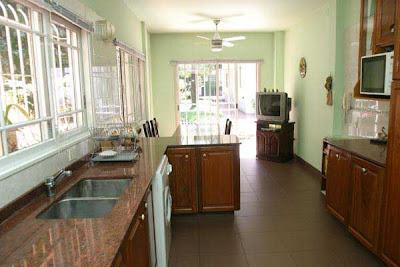 Artigas 655 cocina comedor diario for Cocinas con comedor de diario