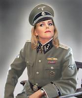 Aber wenigstens Eva Herman im Fernsehen in Lack und Leder versüßte das Lagerleben