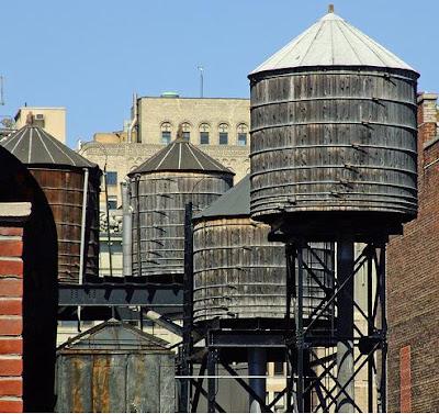 Fogonazos New York Rooftop Water Tanks