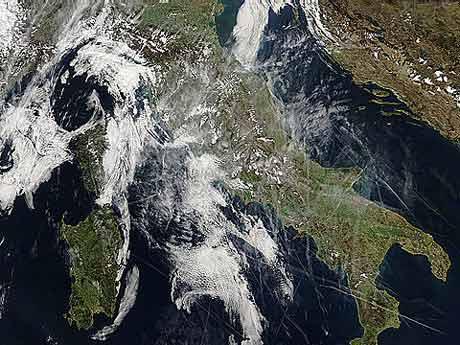 [satellite+aqua+5+marzo+07.jpg]