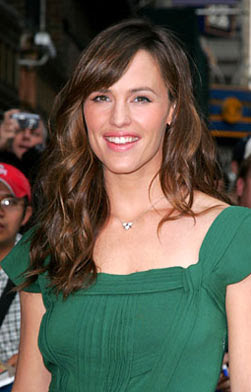 Emerald Green Dress on Jennifer Garner On Late Show With David Letterman In Green 1950s Dress