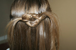 Twist-Back into Square Knot Hairdo