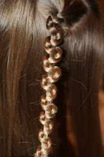 """Close up view of the Tween """"Slide-Up"""" Braid"""