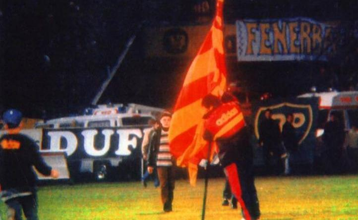 souness+flag+galatasaray.jpg