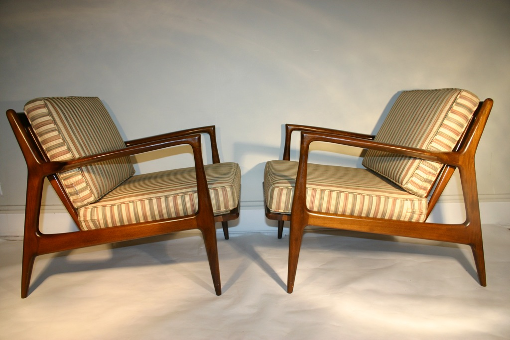 Cercis Danish Modern Selig Walnut Lounge Chairs