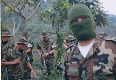 Aumentó el núm,ero de efectivos paramilitares en Colombia a unos 10.000