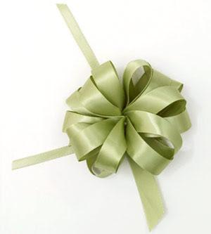 c36fc193fd32 Como hacer lazos de regalo ~ Solountip.com