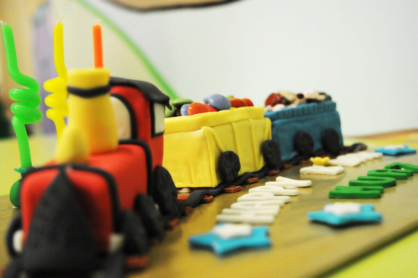 Ee Cupcakes Train