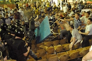 [capt.xel11605272011.ukraine_soccer_xel116.jpg]