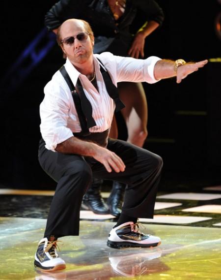 "BlazeAdams.247: JLO AND TOM CRUISE ""GET RIGHT"" AT THE MTV ...Tom Cruise Tropic Thunder Dance"