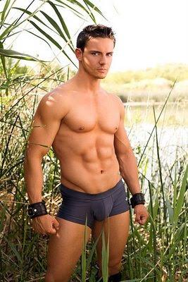 Ethan reynolds nude