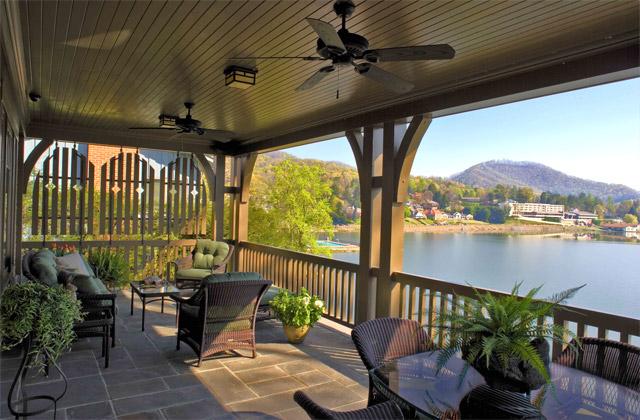 Home's Design: Nestle Down Lake Residence House Design