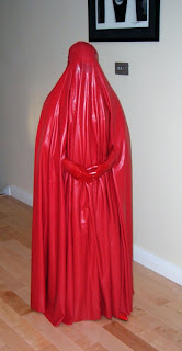 Latex Lady in a latex burqa