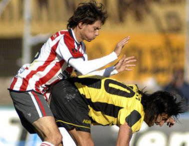 Robert Flores primer refuerzo de River Plate