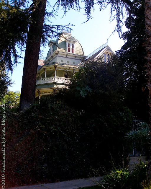 Mansion Grove Apartments: Living Vicuriously, Aka Pasadena Daily Photo, Has Moved