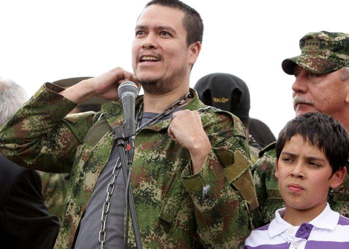 Coronel Enriqu: Bersoahoy: Llegaron A Bogotá 4 Ex Rehenes De Las Farc