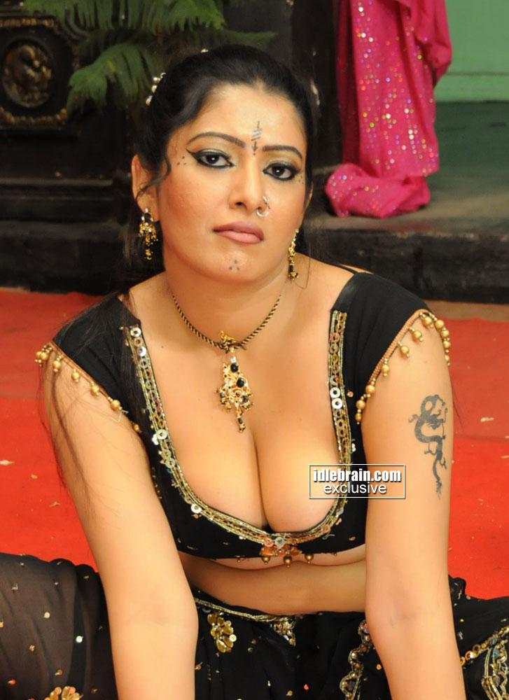Hot Masala Pics  Actress Wallpaper,Images,Pictures,Snaps