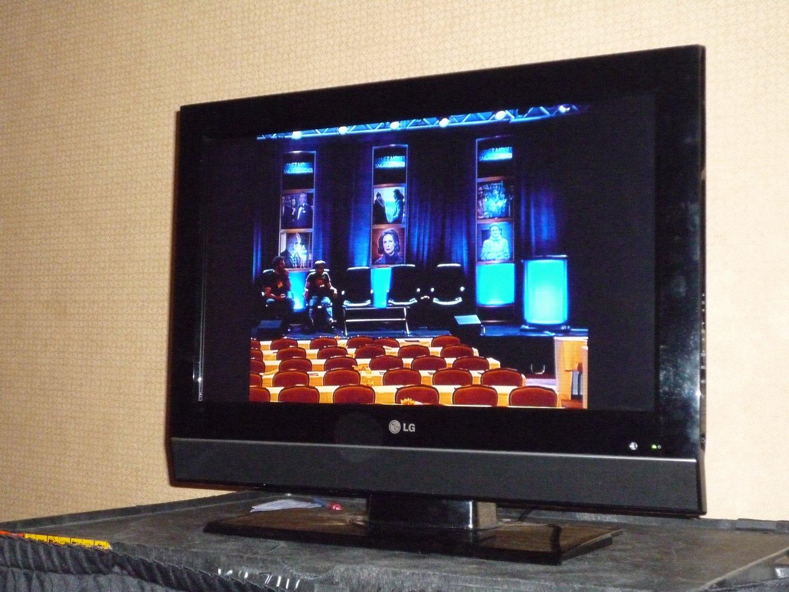 [Danny:Darren+TV+Monitor]