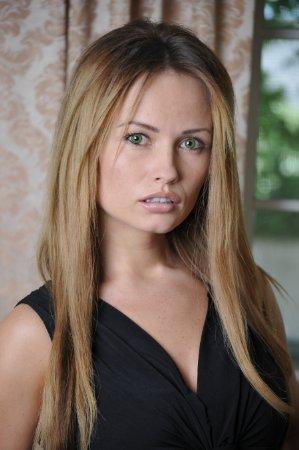 Marta Zolynska Nude Photos 1