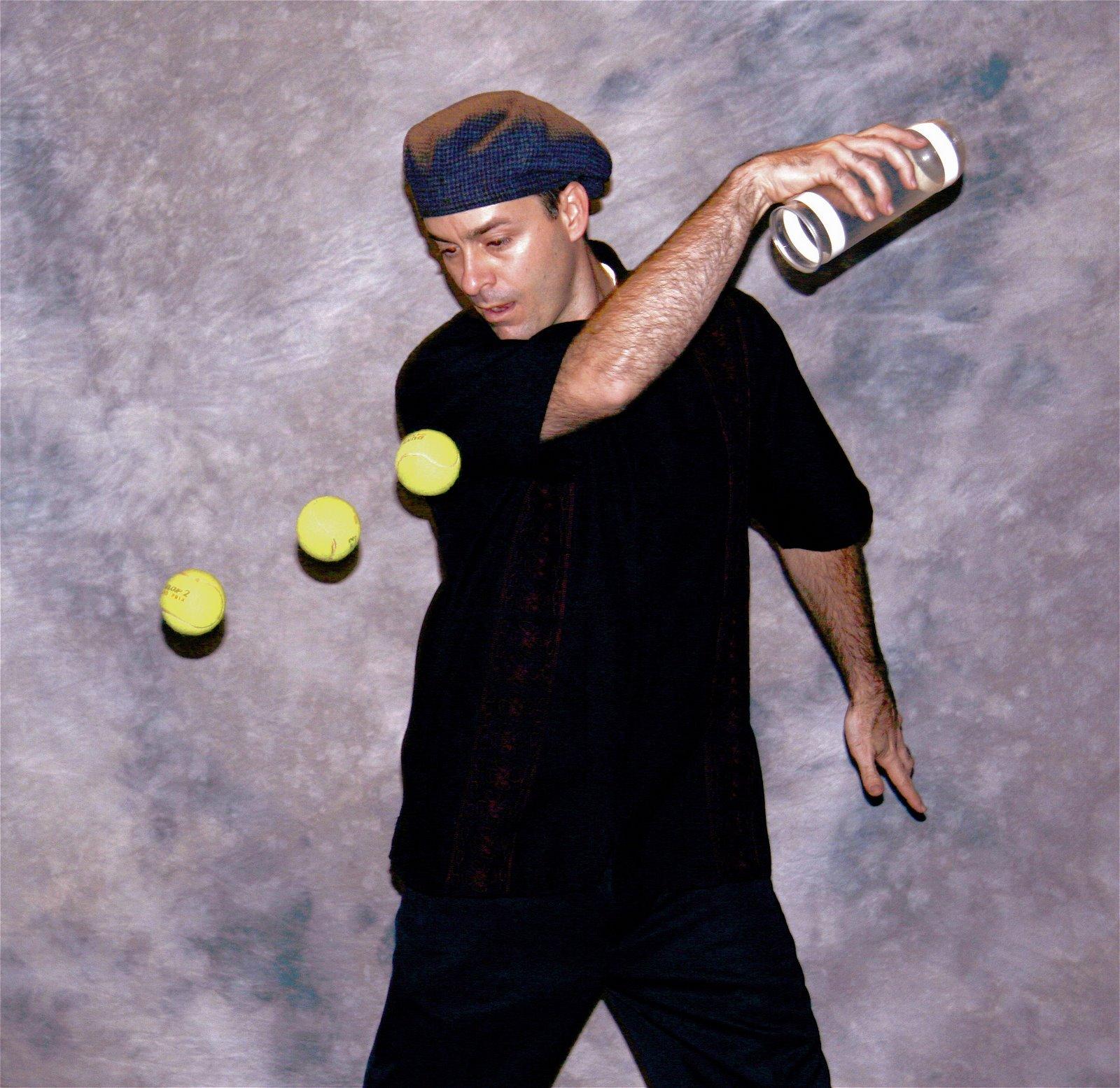 [Matt+Hall+Tennis+Ball+and+Can+Photo.htm]