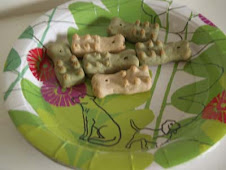 Aiiihhh - tandbørstekiks og tallerkner med hunde