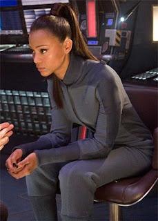 Get The Look Zoe Saldana S Nails In Star Trek All
