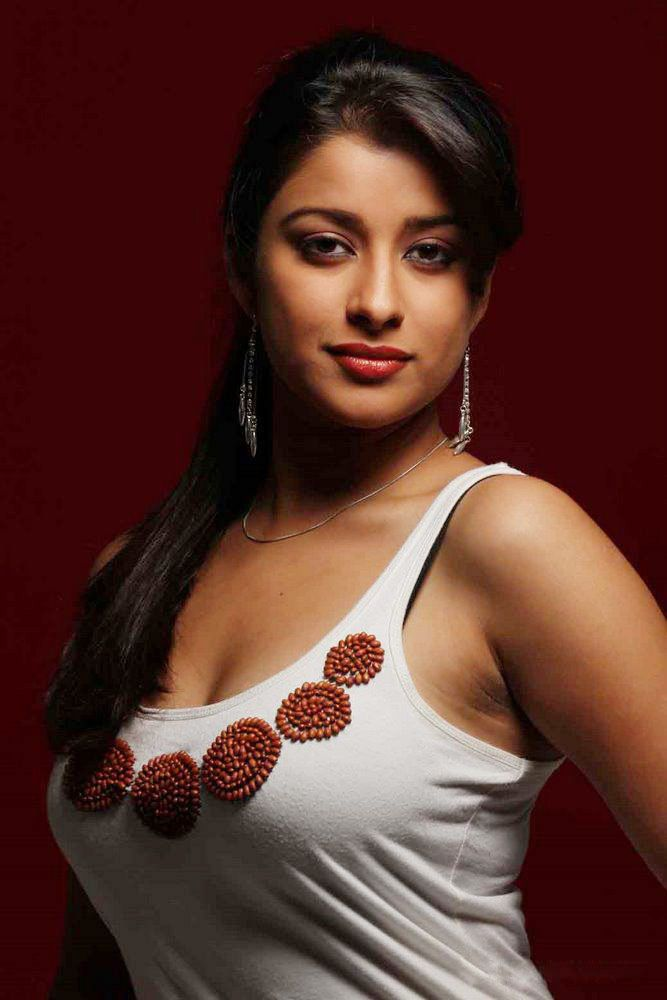 Telugu Actress Madhurima Hot Wallpapers  Wallpapers-2939