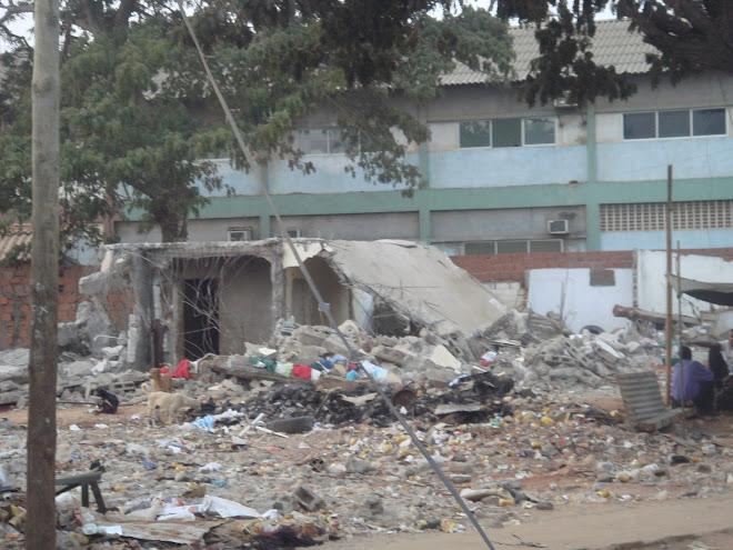 Demolições em Luanda
