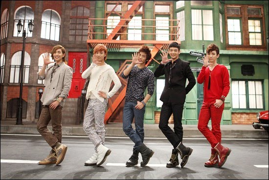 Caca's PeRsonaL bLoG: [LINK DOWNLOAD] SHINEE - HELLO