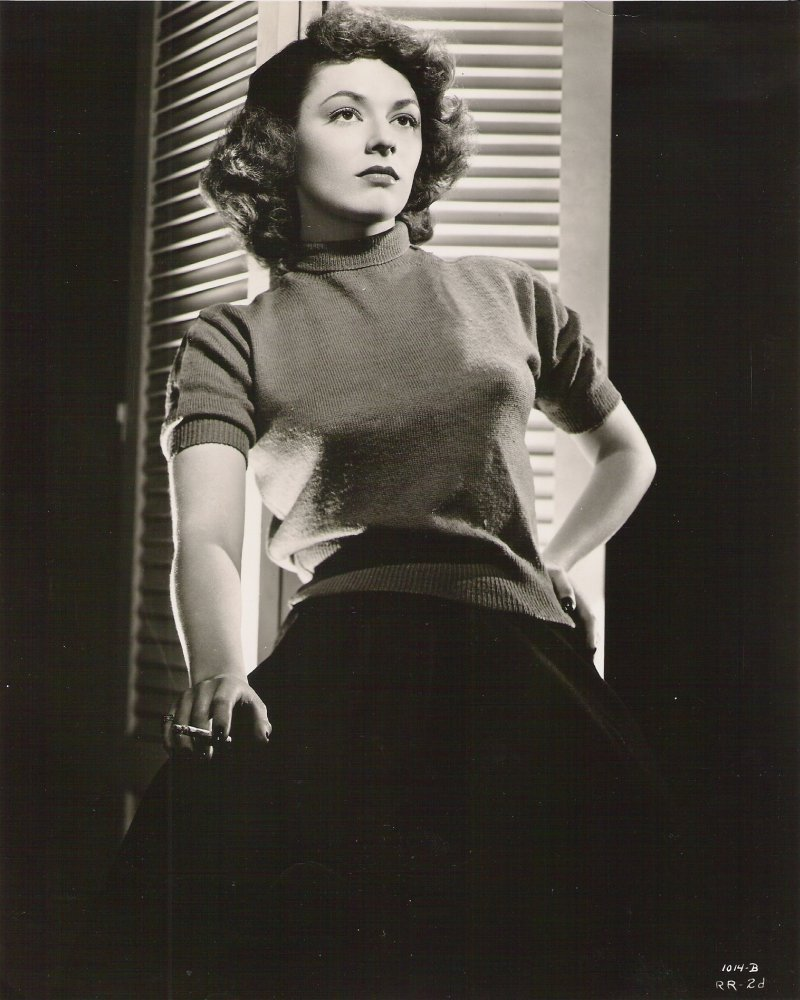 Ruth Roman Of Many Movies She Was In Strangers On A: Beautiful Women Smoking In Dresses And