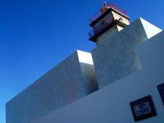 岬の先の白い建物 07.11.30