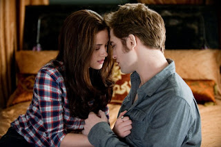 Bella (Kristen Stewart) e Edward (Rob Pattinson) - Crepúsculo 3: Eclipse