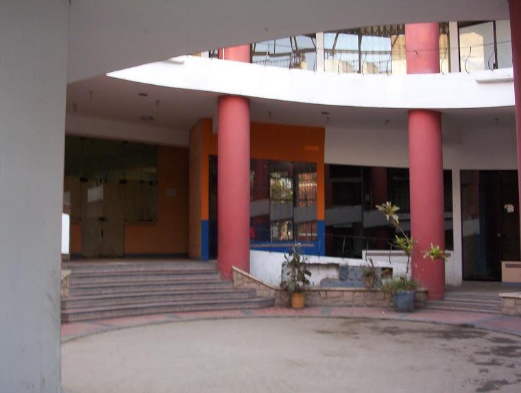 J f propiedades for Oficina zona azul ibiza