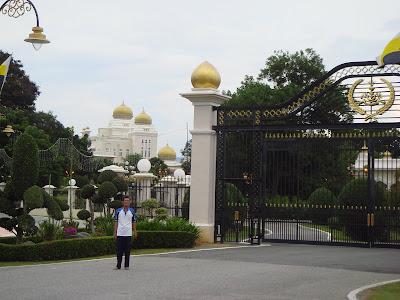 Main entrance of Istana Iskandariah